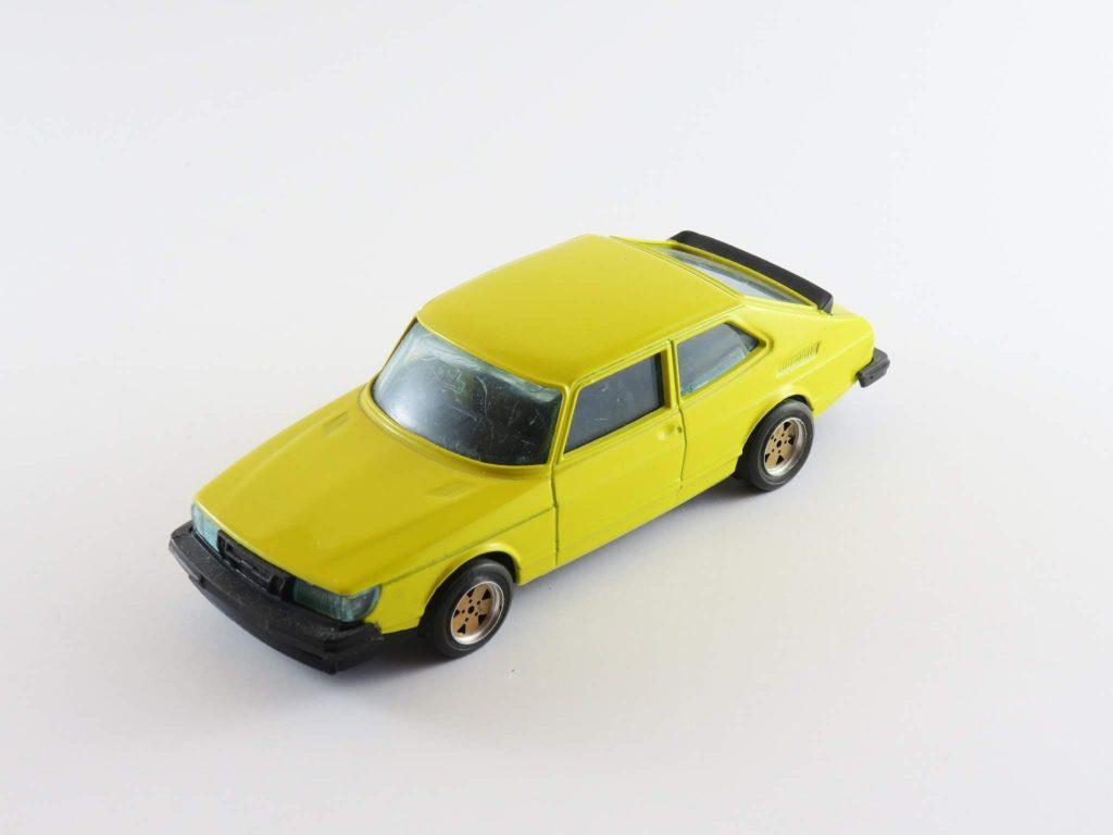 Saab 900 Coupé Turbo (Code 3) – Burago